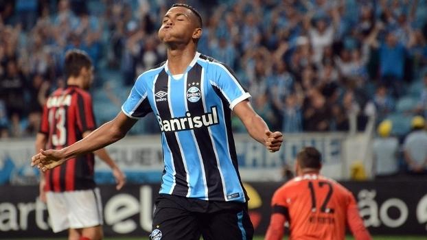 Brasileiro: Gol de Grêmio 1 x 0 Atlético-PR