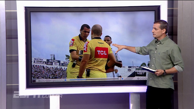 Sálvio analisa expulsão de Rodrigo e fala do encerramento do jogo: 'Pelo regulamento, placar deve ficar 3 a 0 para o Vitória'