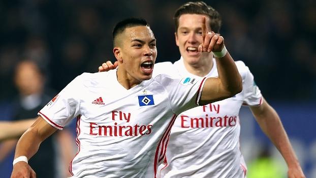 Assista aos gols da vitória do Hamburgo sobre o Borussia M'gladbach por 2 a 1