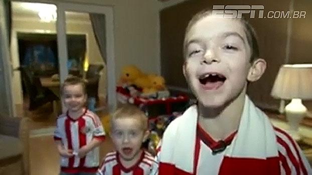 Criança com autismo ganha cabine com o próprio nome no estádio do Sunderland