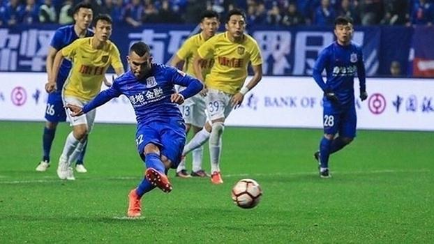 Veja o primeiro gol de Tévez no Campeonato Chinês