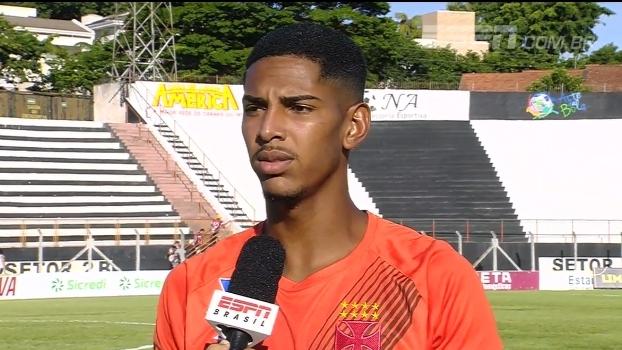 Goleiro João Pedro fala sobre a dificuldade do Vasco no jogo contra o Botafogo-SP pela Copinha