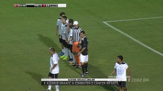GRAACC Futebol Clube: Sálvio não só marca falta como se torna parte da barreira