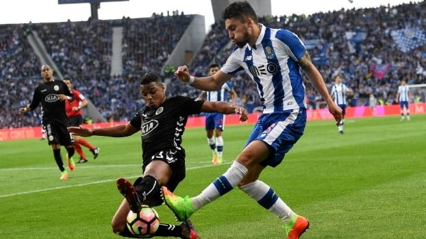 Porto cede o empate ao Vitória de Setubal em casa e perde chance de assumir a liderança