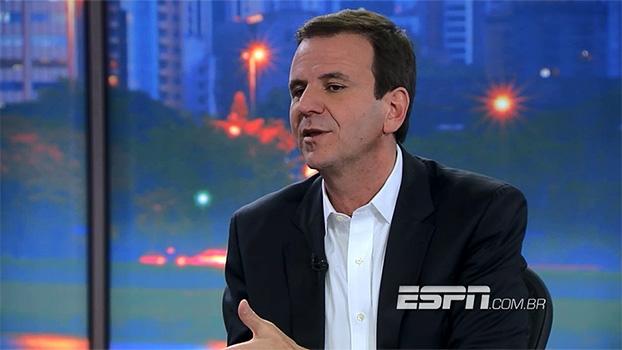 No 'Juca Entrevista', Eduardo Paes desabafa sobre a Fifa: 'eles só se preocupam com estádios'