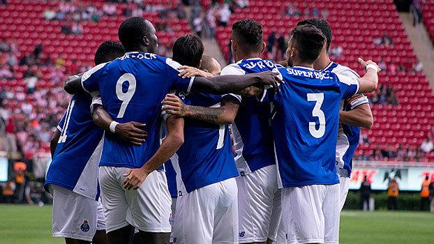 Com gol brasileiro, Porto abre vantagem, mas cede empate para o Chivas Guadalajara
