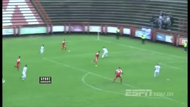Que isso, zagueirão? Defensor marca 2 gols contra e sua equipe é derrotada na Sérvia