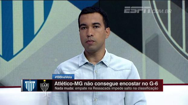 Breiller critica o Atlético-MG, mas aponta evolução em Fred e Robinho, mais voluntariosos
