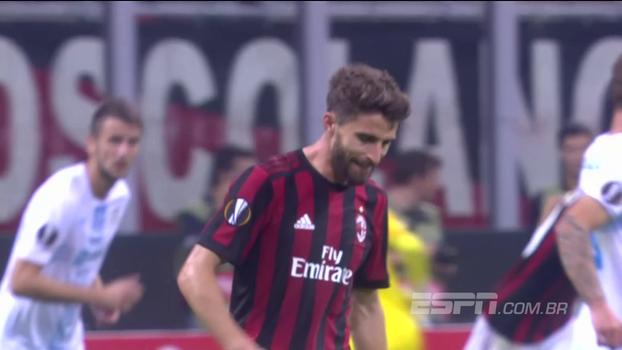 Tempo real: Borini arrisca de fora da área e leva perigo ao gol adversário