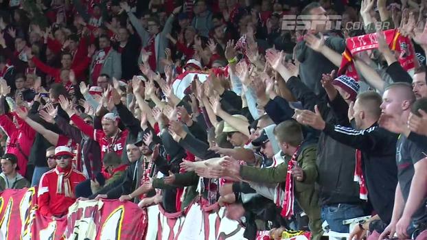 Alemães intimidam ingleses nas arquibancadas, mas Arsenal vence Colônia em campo