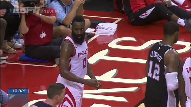 Houston Rockets perde, mas protagoniza lindas jogadas contra o San Antonio Spurs; veja