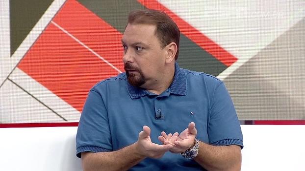 Alê Oliveira não vê linha de trabalho em Ceni: 'É uma contradição atrás da outra'