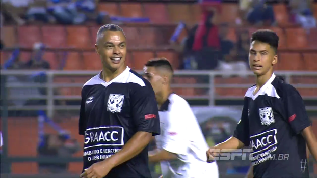 GRAACC Futebol Clube: dono do jogo, Dodô anota golaço com cavadinha ENJOADA