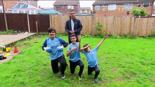 Família Kotscho: malucos por futebol, irmãos realizam sonho de jogar no Manchester City