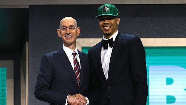 Jayson Tatum é o 3º escolhido do Draft 2017 da NBA, pelo Boston Celtics