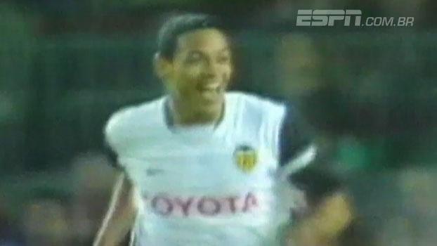 No Camp Nou, Ricardo Oliveira marcou o gol da vitória do Valencia sobre o Barça em 2003