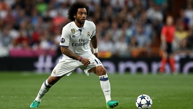 Bielsa diz que 'Marcelo defende mal, mas joga na frente de forma magnífica'