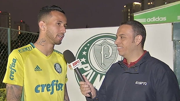 Leandro Pereira fala em 'alívio' após gol e destaca opções do Palmeiras contra o Grêmio