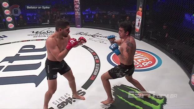 Nocaute! Lutador de MMA leva cotovelada giratória no queixo e desmonta no Bellator