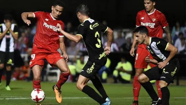 Com duas assistências de calcanhar e caneta, Ganso brilha em vitória do Sevilla; veja