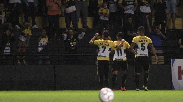 Série B: Gol de Criciúma 1 x 0 Goiás
