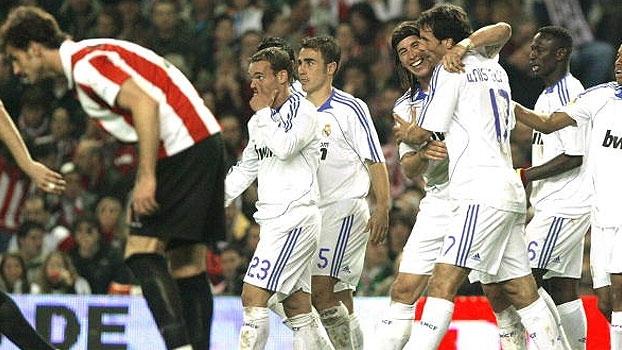 Com assistência de Beckham e gols de Nistelrooy e Sergio Ramos, Real atropelou o Bilbao em 2007