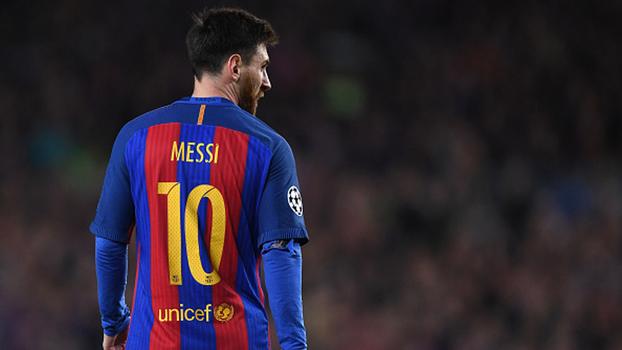 Jornal: Messi renova com Barcelona até 2021 e terá multa de 300 milhões de euros