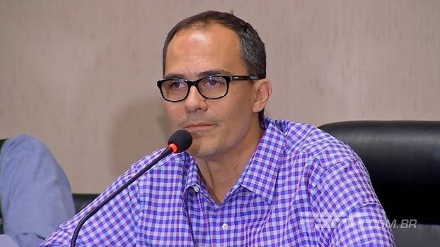 Presidente do Fluminense critica não só a federação, mas como os torcedores: 'Falência do estado'