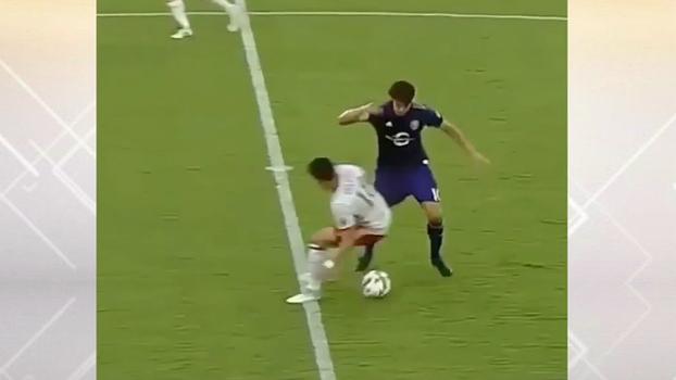Kaká aplica caneta desconcertante em jogo do Orlando City na MLS