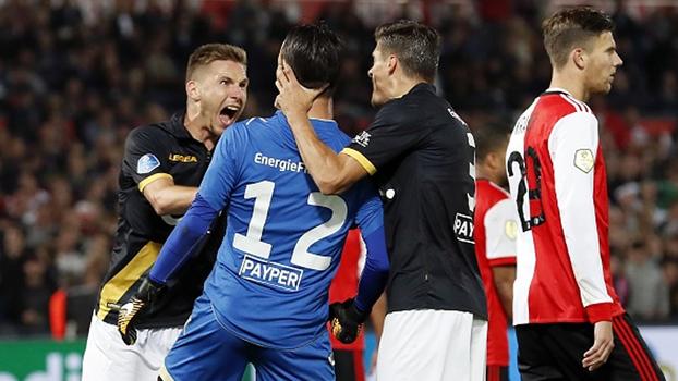 Com presepada do goleiro, Feyenoord perde em casa para o NAC Breda no Holandês