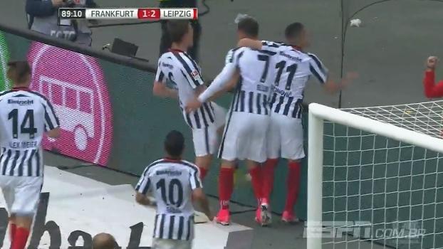 Vice-campeão, RB Leipzig abre 2 a 0, mas cede empate ao Frankfurt no fim