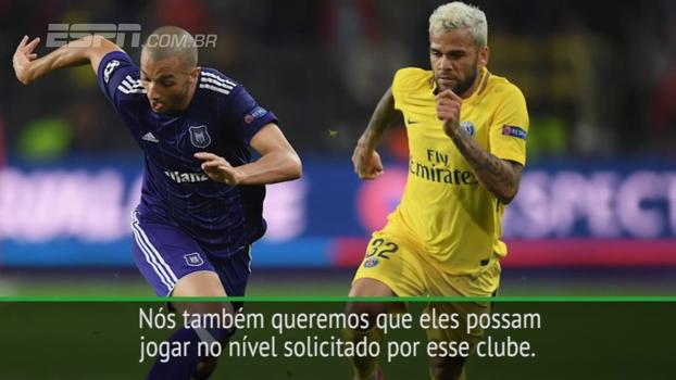 Unai Emery se diz satisfeito com Dani Alves: 'Ele joga bem e tem o espírito vencedor'