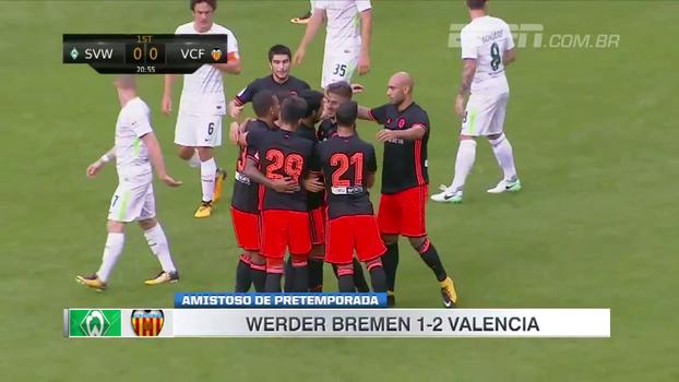 Goleiro e zagueiro se atrapalham, Valencia marca e vence Werder Bremen em amistoso de pré-temporada