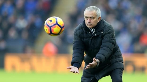 Mourinho destaca vitória do United sobre o Leicester e brinca com demissão no passado