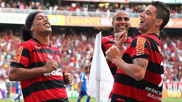 Flamengo goleou o Cruzeiro com golaço e hat-trick de Thiago Neves em 2011
