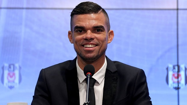 Apresentado, Pepe explica escolha pelo Besiktas e elogia torcedores do clube turco