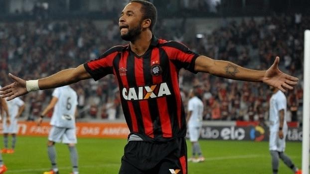 Brasileiro: Gol de Atlético-PR 1 x 0 Botafogo