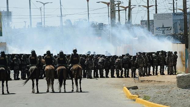Veja imagens do confronto entre a polícia e manisfestantes em Fortaleza
