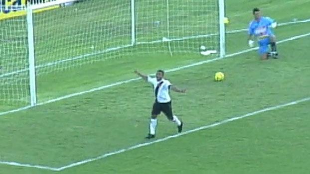 Perto do gol 1.000, Romário marcou três e garantiu vitória do Vasco sobre o Madureira em 2007
