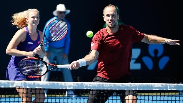 Australian Open: Lances de Siniakova/Soares 2 x 0 Martínez Sánchez/Cuevas