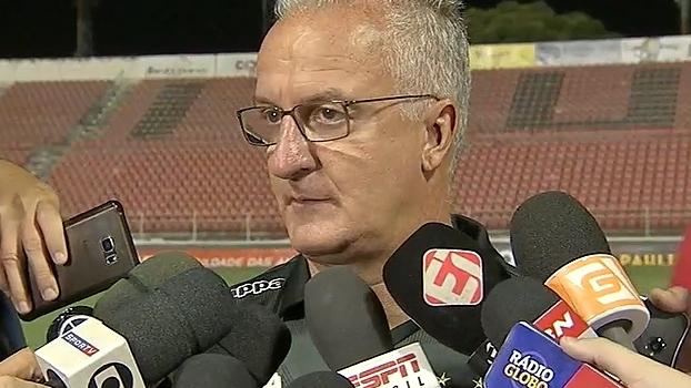 Dorival pede tempo para Santos encontrar caminho e nega turbulência: 'Não sinto essa pressão'