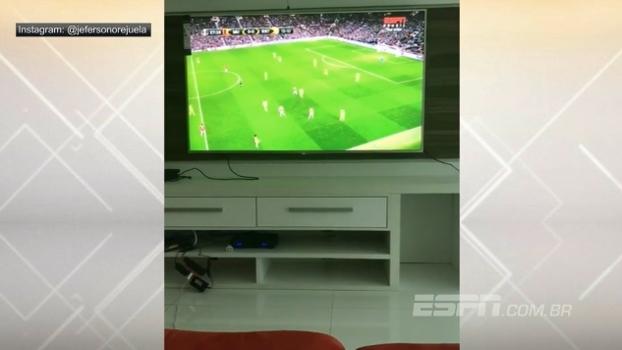 Fã de esporte: Orejuela grava vídeo acompanhando Manchester United x Rostov na ESPN Brasil