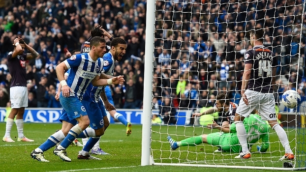 Assista aos melhores momentos do empate entre Brighton & Hove Albion e Derby County por 1 a 1
