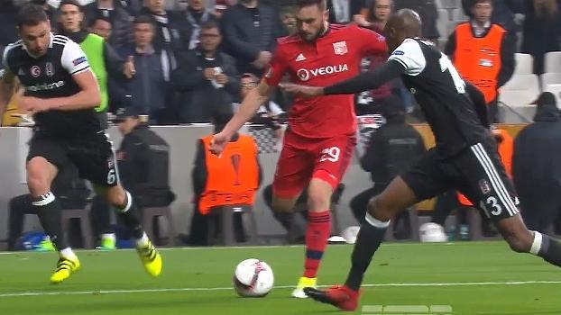 Tempo real: Tousart bate com desvio e Fabri se estica para salvar o Besiktas