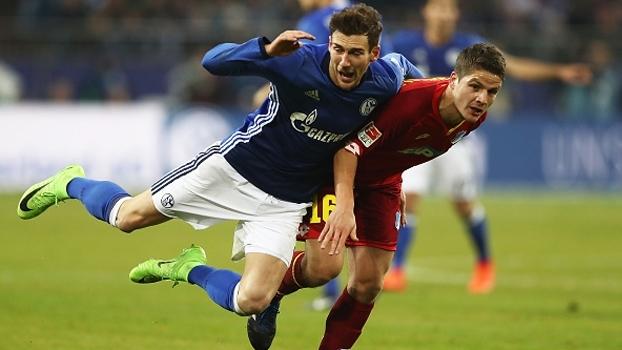 Hoffenheim só empata com Schalke e perde chance de colar no Dortmund
