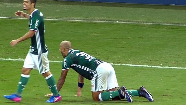 Após 1º gol pelo Palmeiras, Felipe Melo sai correndo e imita pitbull; veja