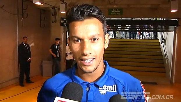 Henrique explica substituição e destaca postura do Cruzeiro