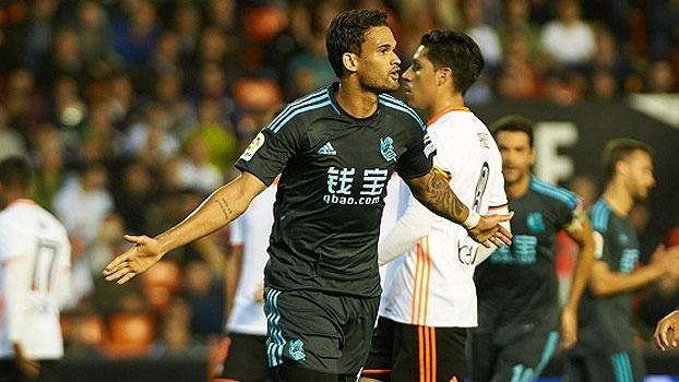 Valencia reage no fim, mas Sociedad vence no Mestalla com gol de Willian José