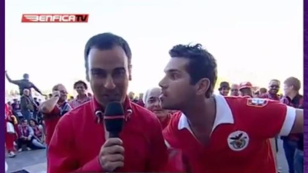 Que figura! Saiba por que torcedor famoso do Benfica é chamado de 'adepto possuído'
