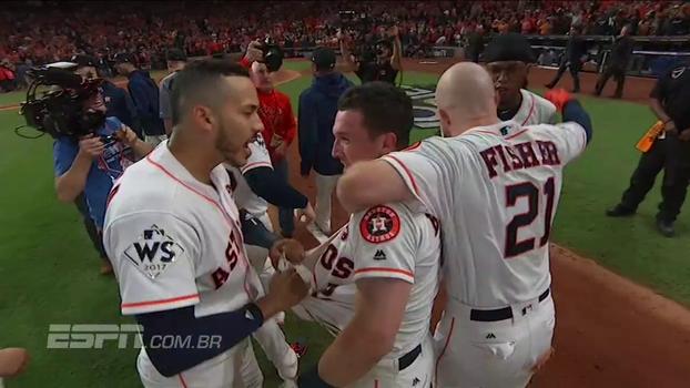 Astros vencem Dodgers em jogaço de 5h17min e ficam a uma vitória do título da MLB